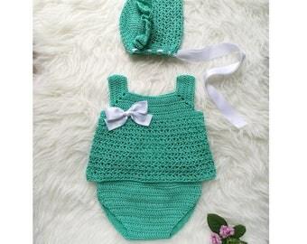 Drink set in green water. Crochet set. Crochet set. Baby shower
