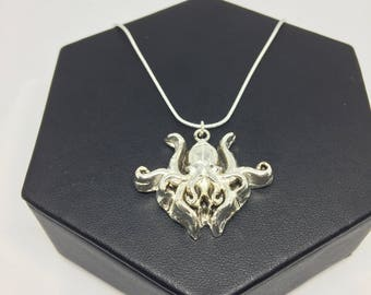 Fine (.999) Silver H.P. Lovecraft inspired Cthulu Necklace