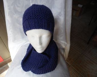 One adult size hat and Snood 2 turns blue
