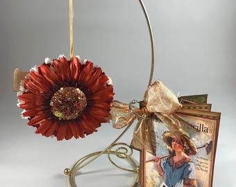 August Ornament & Brag Book