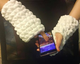 Fingerless gloves, mittens on hands, soft and super warm