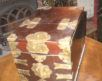 wooden Jewelry box with brass fittings/antique/French