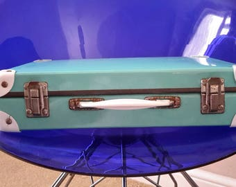 Funky 60's TURQUOISE BRIEFCASE with white plastic corners.