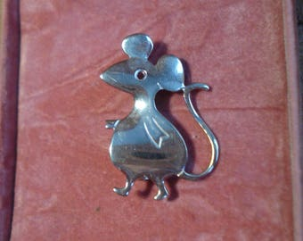 Vintage Silver Tone Mouse Pin Brooch