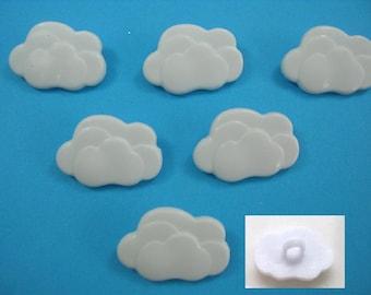 LOT 6 buttons: 17mm white cloud