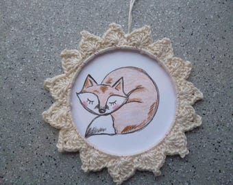 Round frame, Fox, crocheted ecru colored cotton