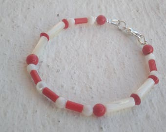 """Bracelet """"Mother of Pearl and coral"""" - very light."""