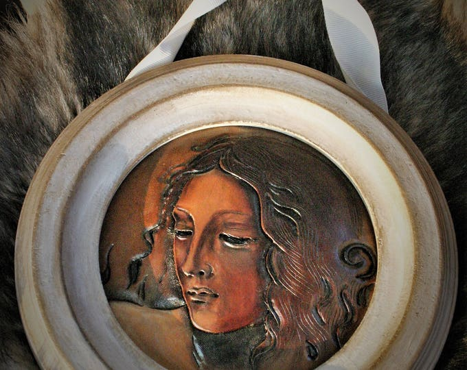 Painting Art on carved leather Portrait of a woman study in Renaissance préraphaelit way shabby style