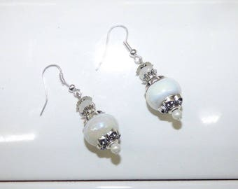 PEARLY WHITE PEARL EARRINGS