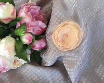 Flower 6.5 cm in beige/salmon chiffon with pearls