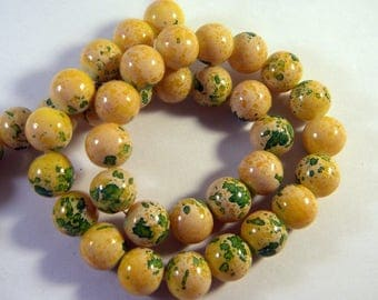 """""""reality"""" yellow glass speckled PV80 3 10 mm 10 beads"""