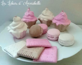 Set of 4 Pinback buttons, 4 cookies and 4 cupcakes in plaster tinted in the Style Shabby mass