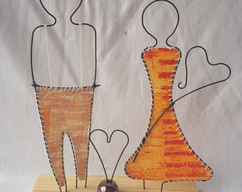 Decorative vanity wire annealing, fabric, ceramic bead and support wood, couple who love orange and brown tones