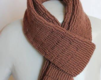 men scarf point Brown embossed