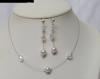 Set 2 pieces wedding necklace, and white pearls earrings