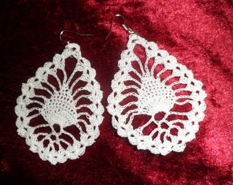 drop earrings with crochet pattern