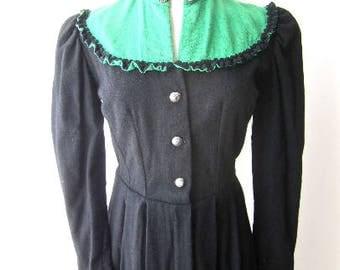 M 30s 40s Coat German Octoberfest Sportswear Green Black Two Tone Color Block Ruffle Wool Ice Skating Ski Swing WWII Era by Schafer Medium
