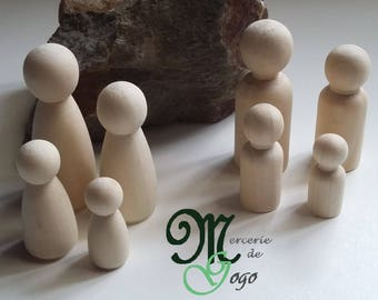 Natural raw wooden characters. Family.