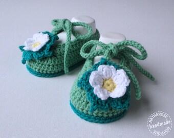 Chaussons bébé ballerines 0/2 mois verts à fleurs
