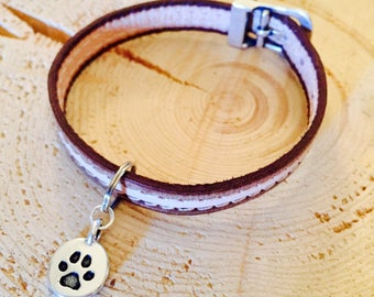 Leather collar with charm