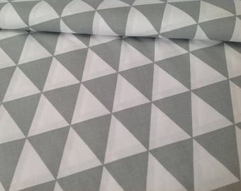 Printed fabric 100% cotton, white and grey triangles