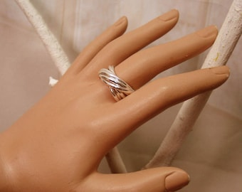multi silver intertwined rings ring
