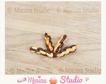 very realistic miniature chocolate - polymer clay 4 pretzels