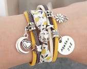 Bracelet manchette Liberty personnalisable : médaille ronde prénom ou date et breloques au choix