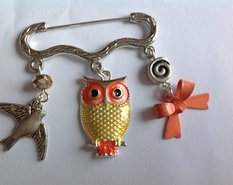 Brooch yellow and orange OWL charms silver metal bird and bow