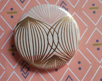 badge / brooch round 32 mm paper
