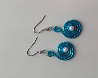 ALUMINUM BLUE EARRING