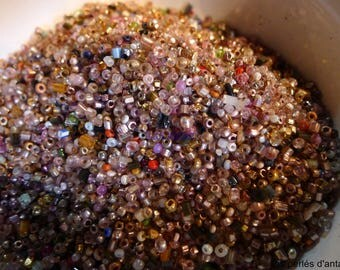 seed beads mix of 65 grs