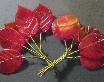 10 sheets in red glass on 15-20 mm wire