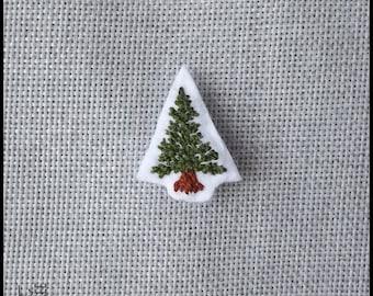 Green Christmas tree brooch
