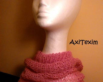 Collar, light pink snood made of knitting