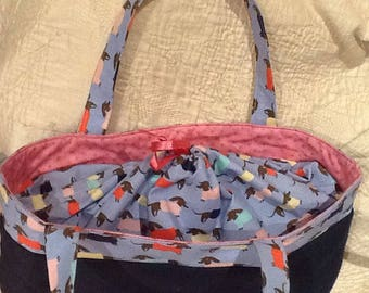 Shopping bag made of patchwork with closure