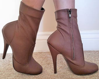 Sexy Brown Matt Leather Round Toe High Heeled Ankle Boots with inside zip UK 8 EU 41