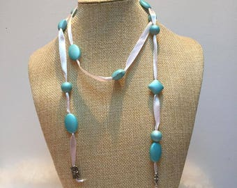 White Pearl Ribbon Necklace blue