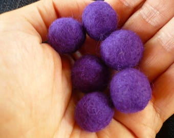 Pearl dark purple felted wool, Merino, 15 mm