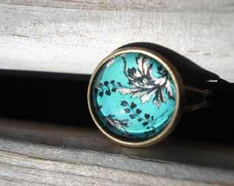 Flowers turquoise cabochon ring