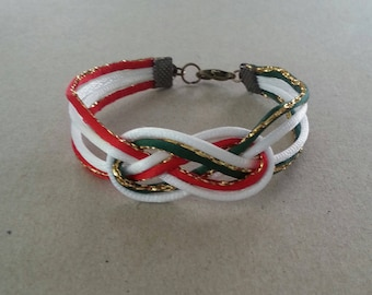 Chinese knots bracelet in red and gold, green and gold and white color satin