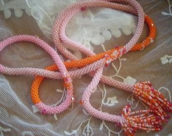 Long necklace pink-orange