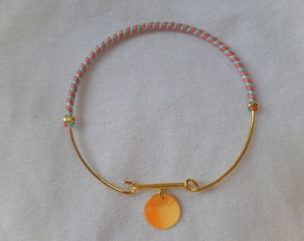 Soft, gold Bangle with clasp bracelet