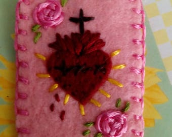 Hand embroidered scapular-scapular sacred heart with pink flowers