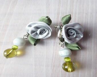 """""""Grey rose"""" earrings"""