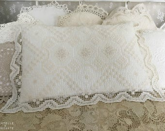 Romantic retro cushion: doily and old will