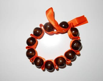 Bracelet beads lined with satin accordion