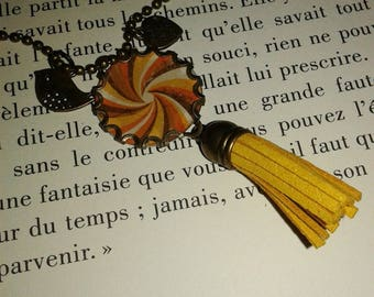 Long necklace - pendant - tassel - 'spiral'