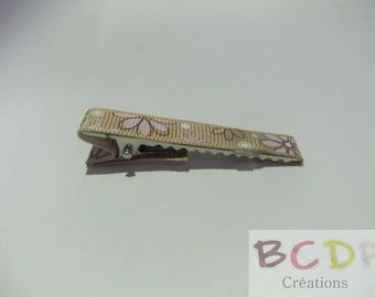 Taupe Barrette with flower motifs