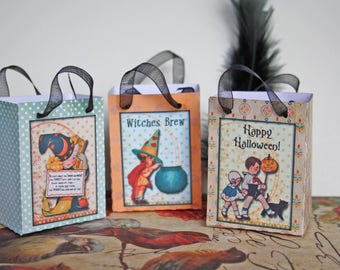 Set of 3 bags to give to children for Halloween vintage style